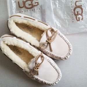UGG moccasin slippers size 5 shoes